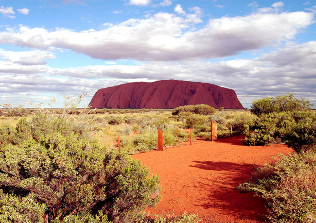 uluru-kata-tjuta-national-park-montagna-magica-australiana