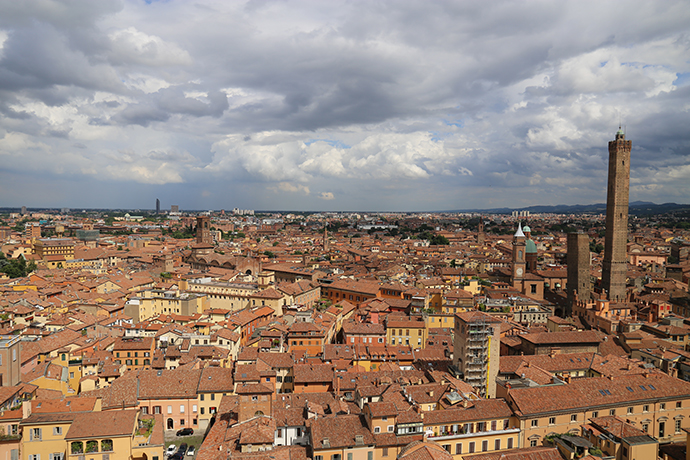 Bologna con Lookals