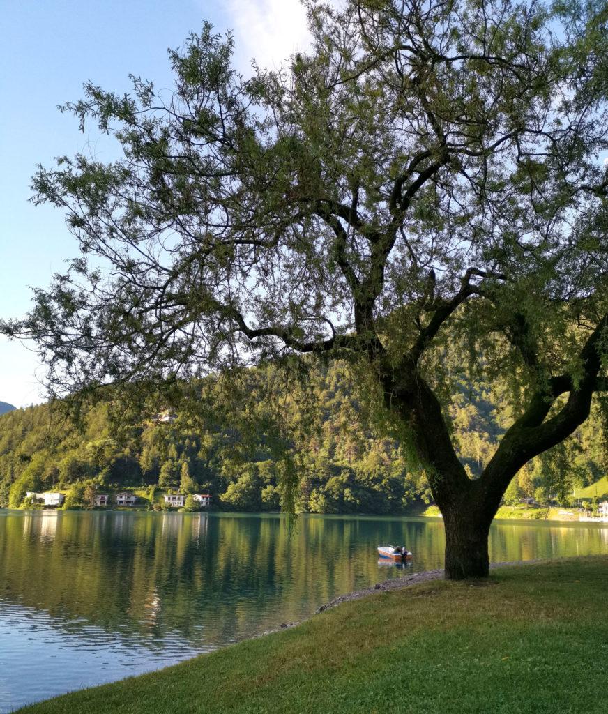 Lago di Ledro alle luci del Mattino