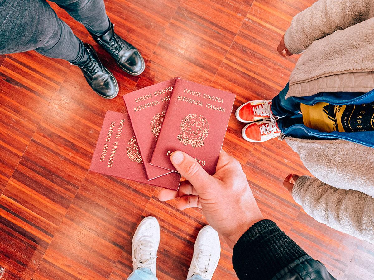 Si può viaggiare all'estero per turismo? 01