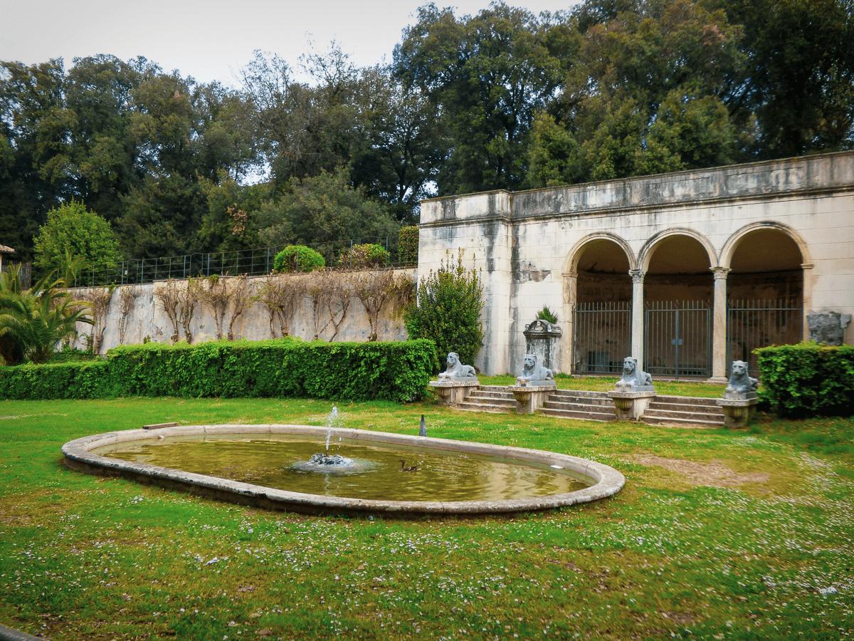 Portico dei Leoni